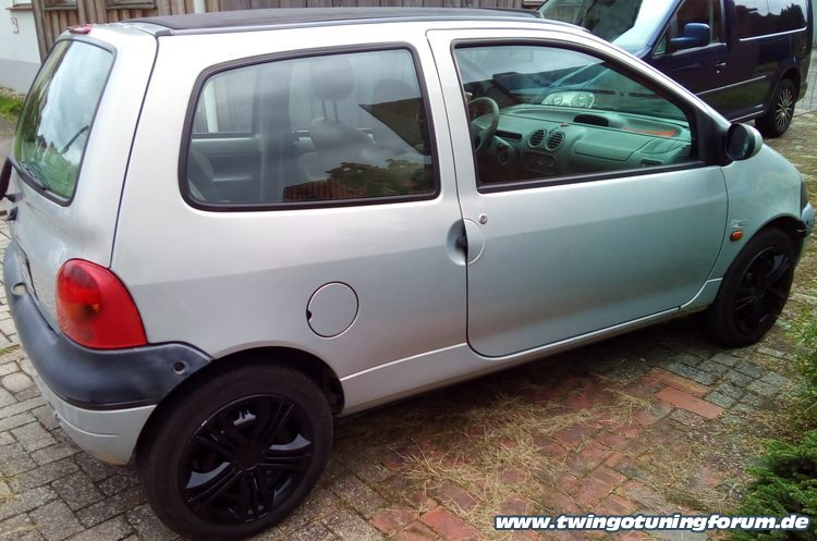 [Bild: twingo-05143643-hiS.jpg]